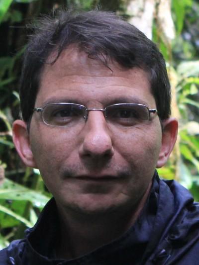 Aarón González‐Castro