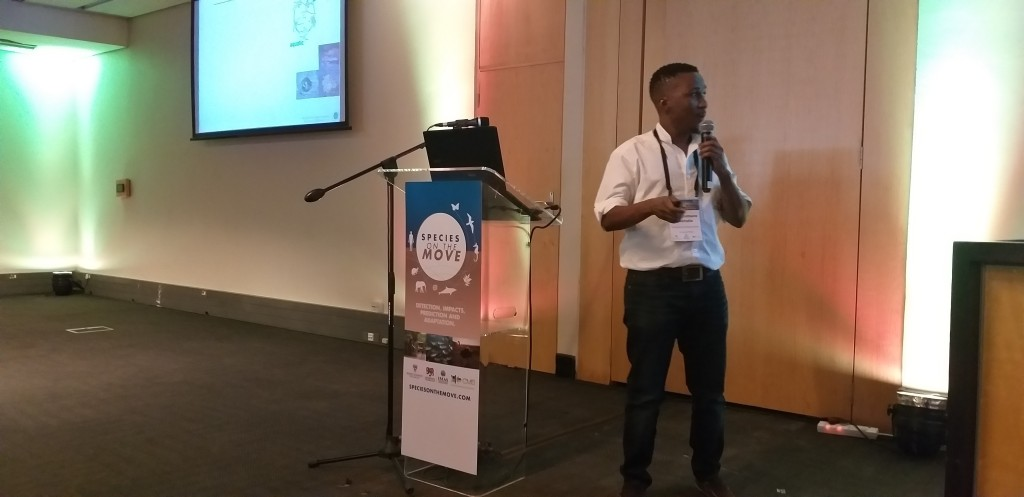 Dr. Mohlamatsane Mokhatla (from South African National Parks, South Africa) presenting his research on predictions of climate-driven distributions of three African temperate frogs using models that incorporate physiology and performance data.