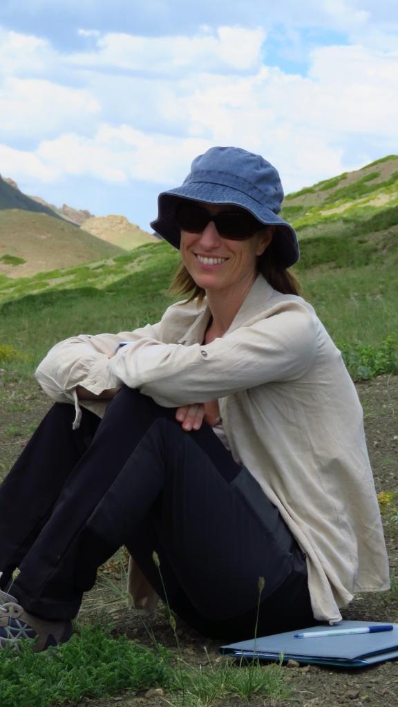 Esther Sebastián-González in a fieldwork trip in Mongolia (Author JM Pérez-García)