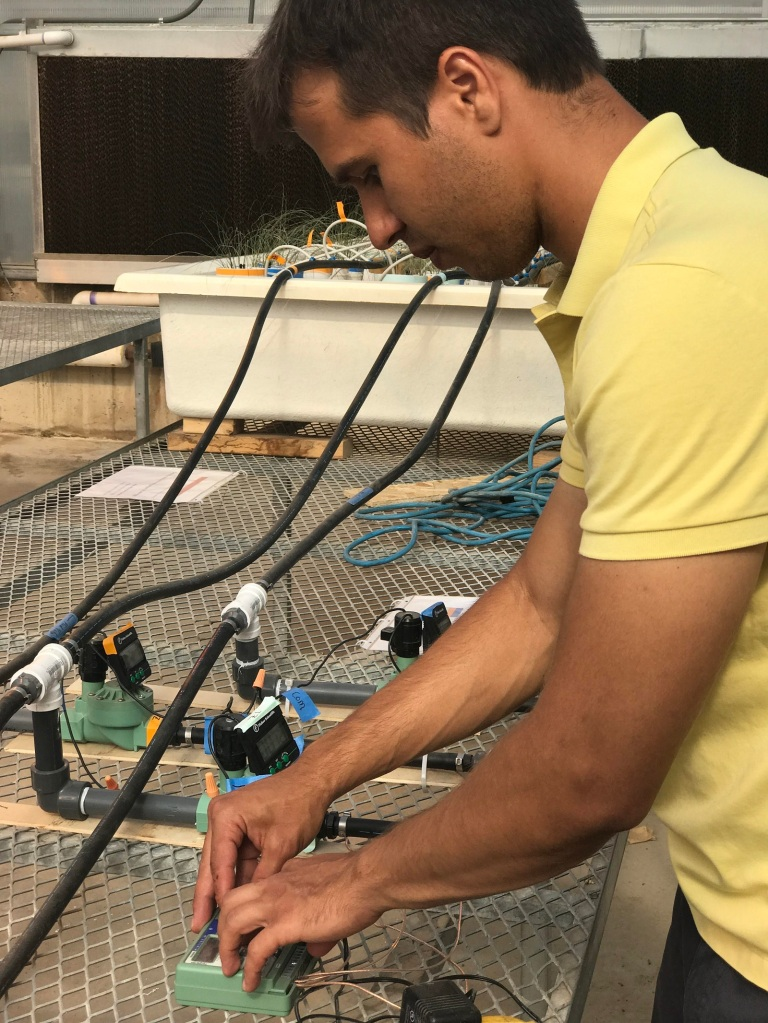 André working at the experiment