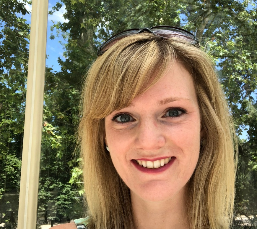 Jessica Moore is a microbial and ecosystem ecologist currently working in the Biosciences Division at Oak Ridge National Laboratory.
