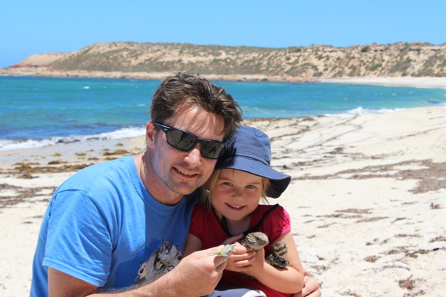 Michael Kearney and his daughter on a road trip catching lizards for measurement of the functional traits involved in water loss.